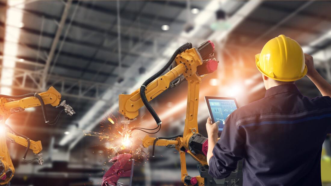 digital factory robotik mitarbeiter